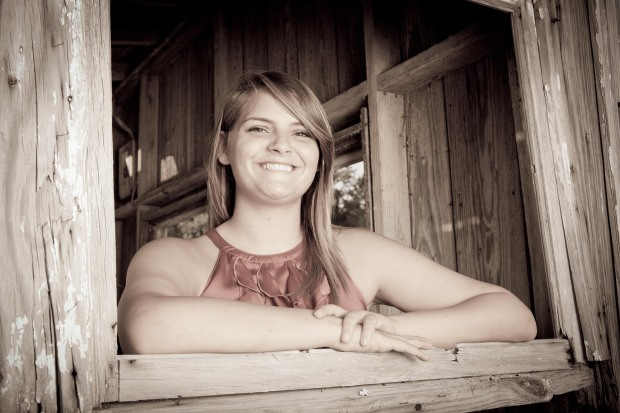 Senior Portraits by Lindley's Photography